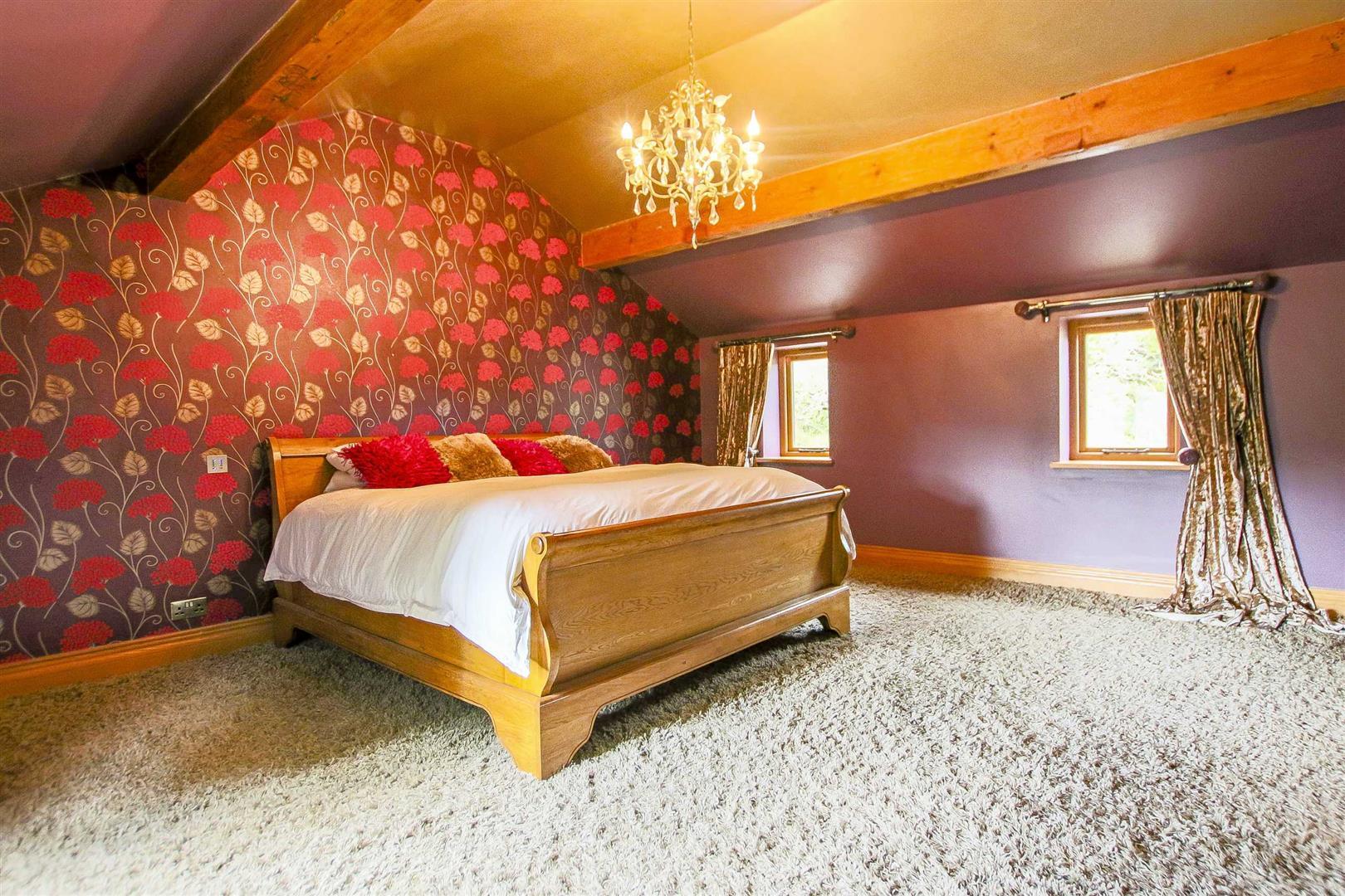 5 Bedroom Cottage For Sale - Image 12